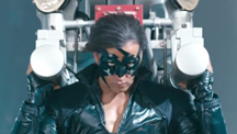 Hrithik Lifts The Airplane | Krrish 3
