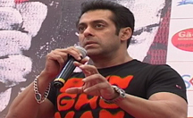 Salman Khan, Daisy Shah promoting 'Jai Ho' in Ahmedabad | Jai Ho