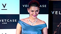 Kriti Reveals Her Favourite Type of Jewellery   Bollywood News