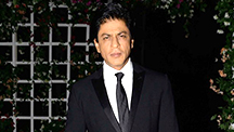 SRK Asks Women To Exploit Him | E Buzz