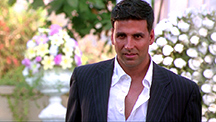 Akshay Kumar Hunts For His Prey