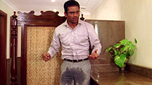Suniel Shetty Wets His Pants!