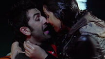Ranbir Proposes to Priyanka