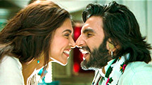 Ranveer Flirts With Deepika