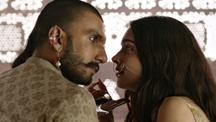 Ranveer Heals Deepika's Wound