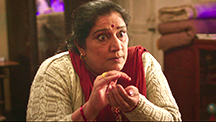 Bhumi learns Suhagraat secrets from her mom
