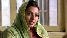 Akshaye's Wife Comes To Meet Him In Prison