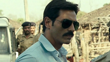 Arjun Rampal tries to broker peace between the Maoists & the Police