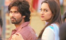 It's Love or War for Shahid Kapoor