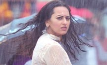 Shahid Kapoor is madly in love with Sonakshi Sinha