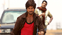 Shahid Shows Off His Rowdy-ness!
