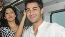 Armaan Jain and Deeksha Seth travel in the Mumbai metro