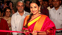 Vidya Balan goes Saree Shopping