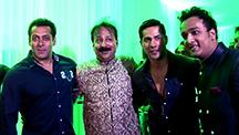SRK misses Baba Siddiqui's Iftaar Party