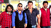 Salman Khan sings Aaj Ki Party with Mika