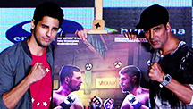 Akshay Kumar and Siddharth Malhotra Love To Play Games