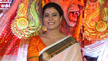 Kajol Enjoys Durga Puja Celebrations in Mumbai