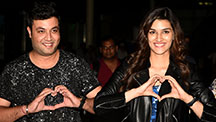 Team Dilwale Arrives Back in India
