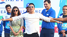 Akshay Kumar Tells Fans To Not Consume Junk