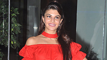 Jacqueline Fernandez goes gaga about the unending 'Picnic' on Housefull 3 sets