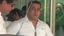 Salman Khan mounrs Rajjat Barjatya's death