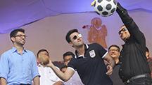 Ranbir Kapoor Celebrates 'Dahi Handi' with Mumbaikars