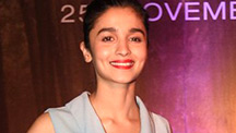 Alia Bhatt talks about spending time with 'Shahrukh Khan'