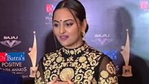 Sonakshi Sinha Stuns at an Award Function