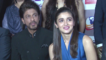 Shahrukh Khan Sends a Message to 'Mothers & Fathers'