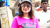 Ameesha Patel serves food to the needy