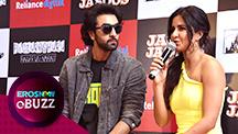 Ranbir Kapoor 'Beat Boxes' on Stage | E Buzz