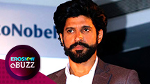 Farhan Akhtar shows off his new look | E Buzz