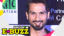 Shahid Kapoor dedicates the award to his wife